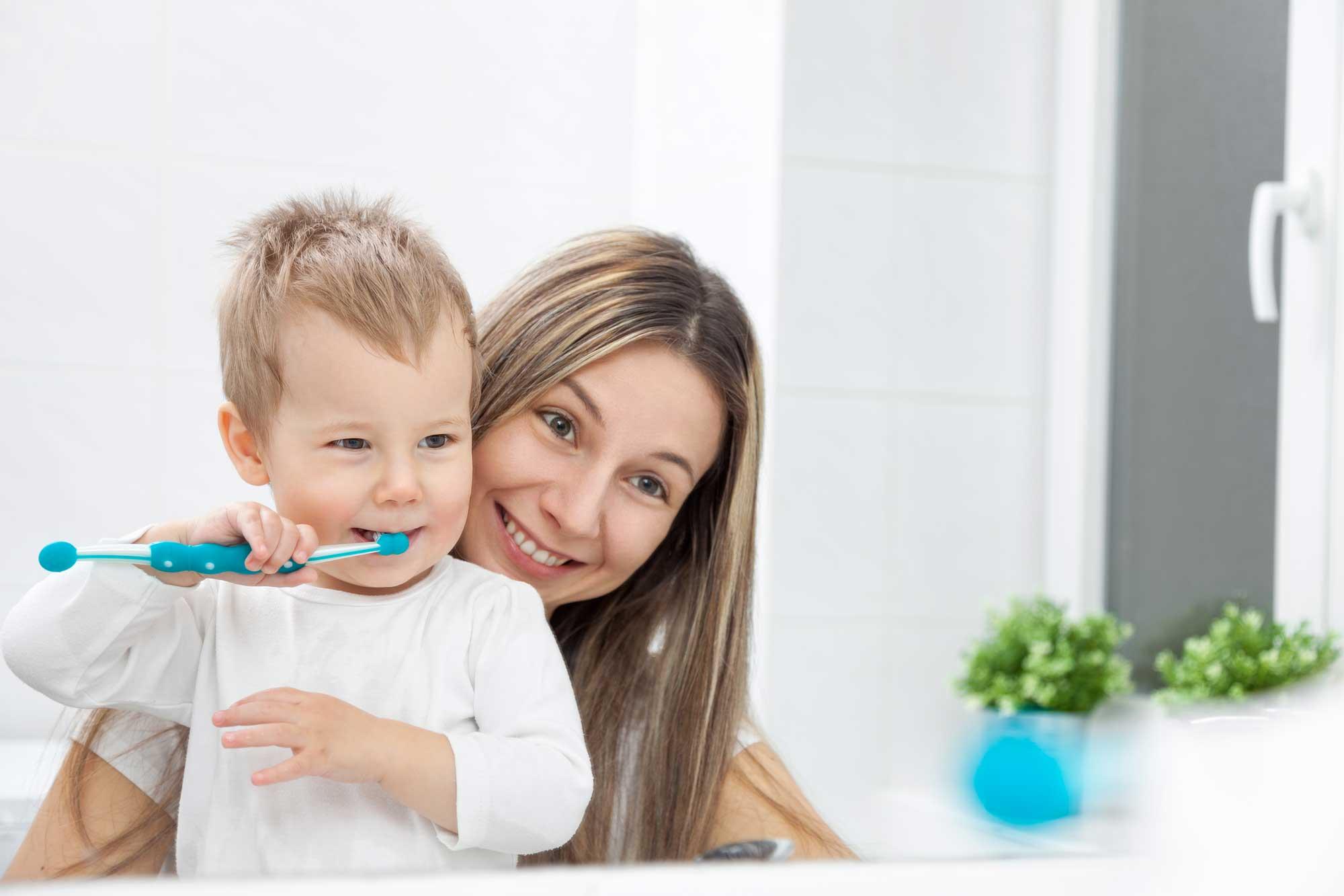 cuidar dos dentes das crianças